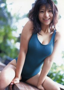 Nina Minami 新名美波