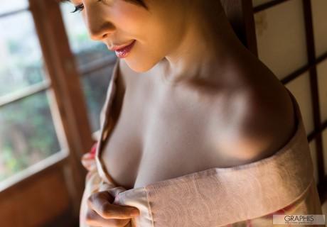 Satomi Yuria 里美ゆりあ