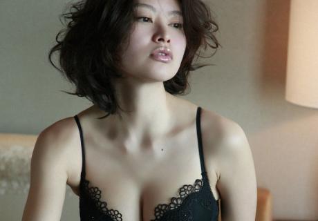 Yoshino Sayaka 吉野紗香