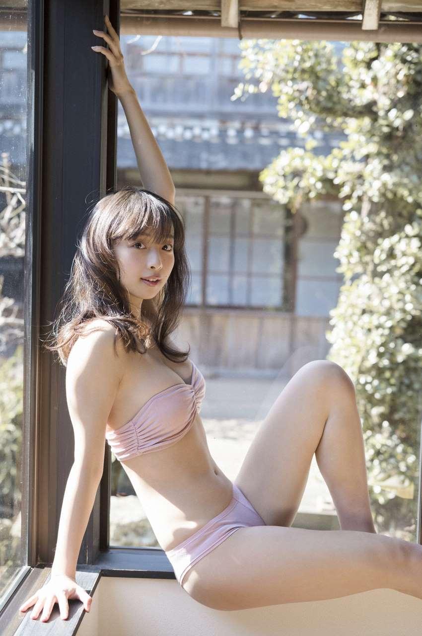 Hanamura Asuka 華村あすか