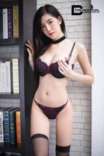 Moey Sukanya สุกัญญา กออิน