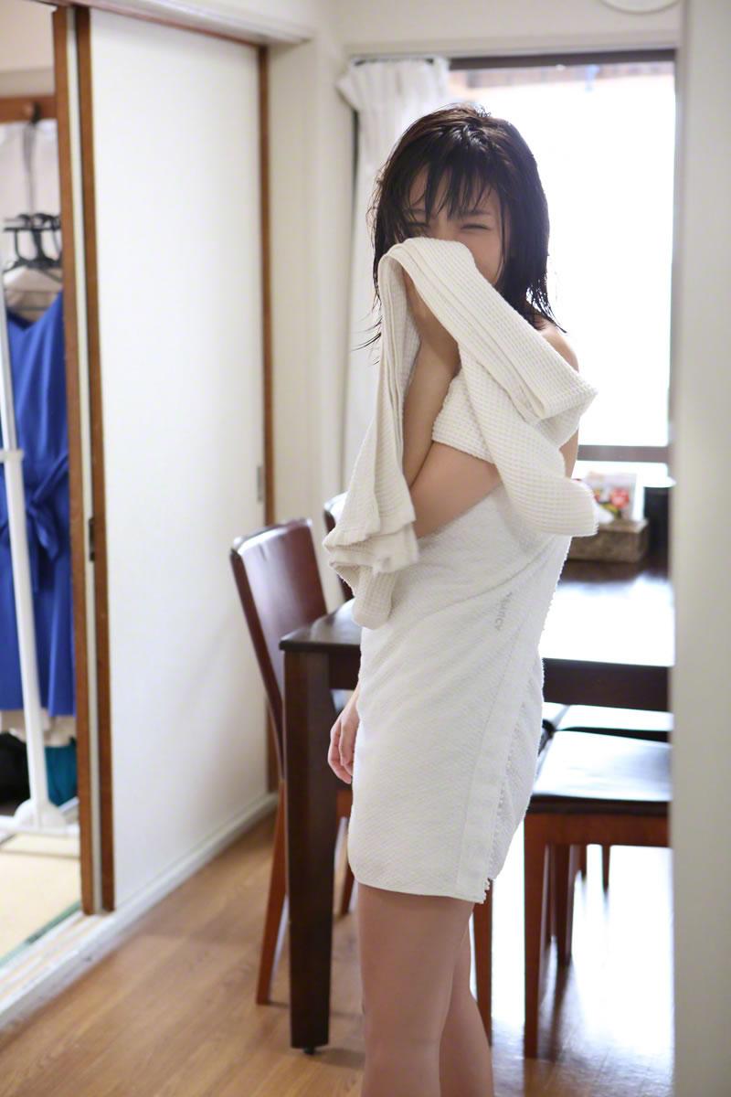 Mano Erina 真野恵里菜