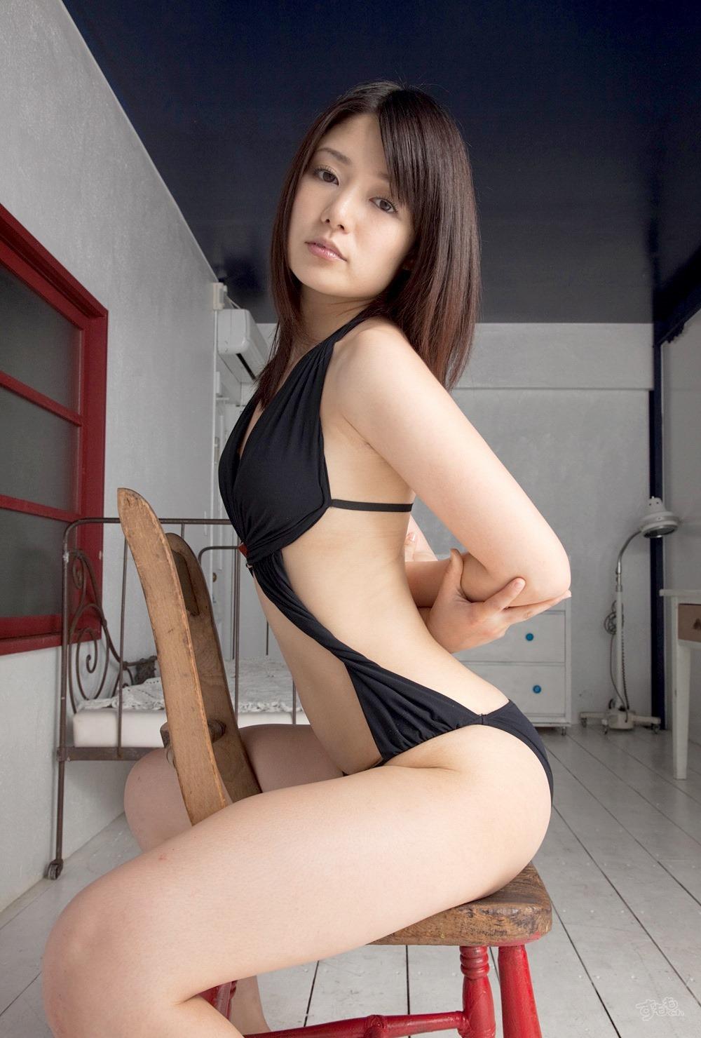 Furusaki Hitomi 古崎瞳