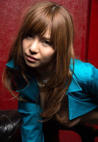Aoi 葵