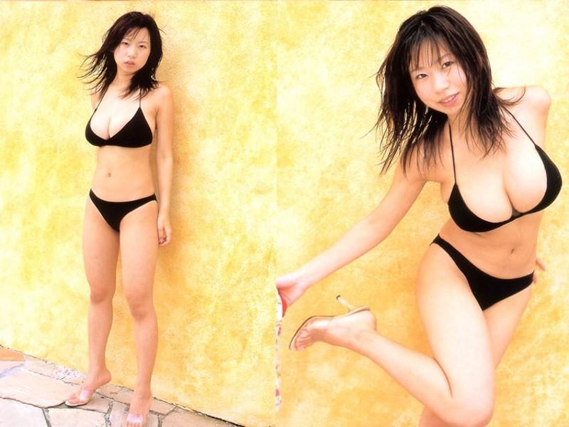 Natsume Rio 夏目理緒