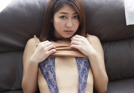 Koyanagi Ayumi 小柳歩