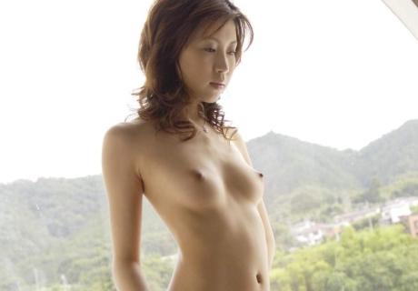 Izawa Chinatsu 伊沢千夏
