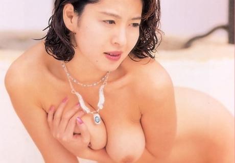 Misato Mari 美里真理