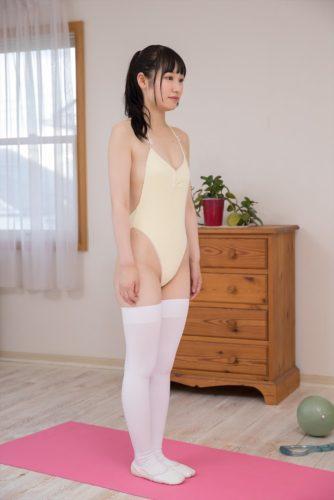 Hazuki Ayana 葉月彩菜