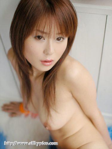 Ayase Megu 綾瀬メグ