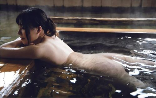 Miyoshi Mariko 三吉真理子