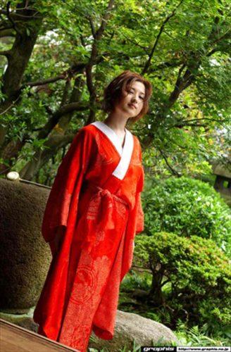 Mizusawa Tomomi 水沢ともみ