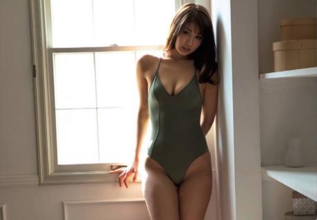 Sawa Sumire 沢すみれ