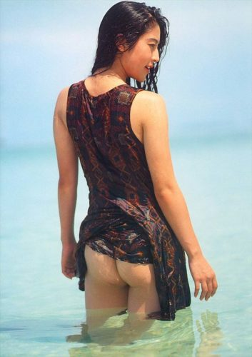 Shuei Yoshimi 周栄良美