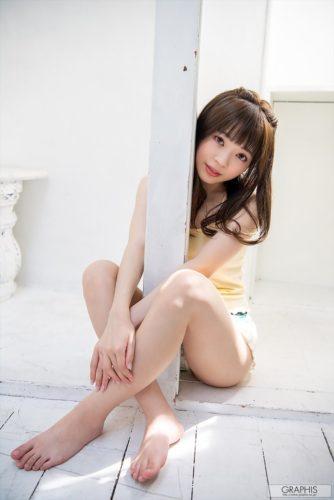 Maki Izuna 槙いずな