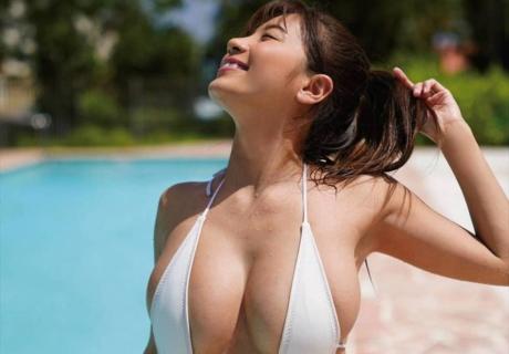 Hazuki Aya 葉月あや