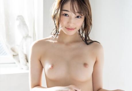 Niina Amin 新名あみん