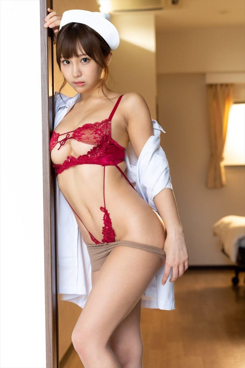 Hinata Aoi 日向葵衣