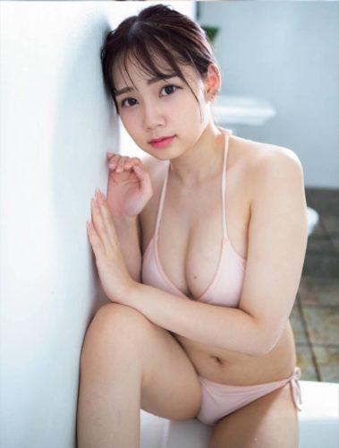 Momose Megu 桃瀬めぐ