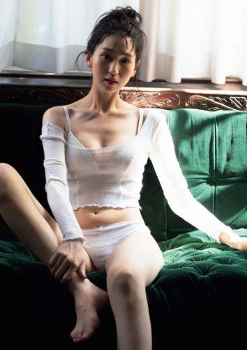 Korenaga Hitomi 是永瞳