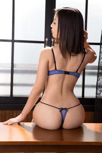 Mizuki Miri 水稀みり