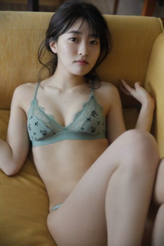 Yoshinaga Ayuri 吉永アユリ