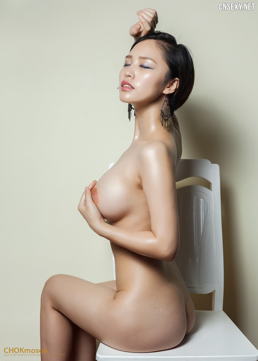 大胸妹 Big breasts