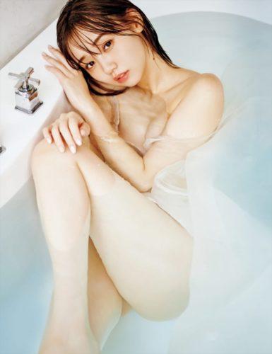 Enosawa Manami 江野沢愛美