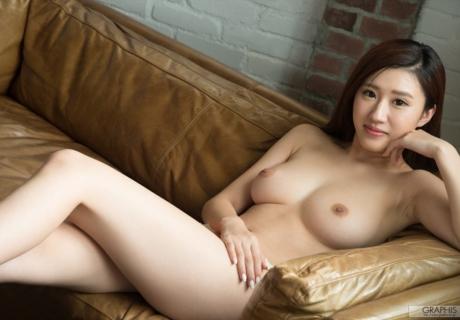 Mitake Suzu 美竹すず