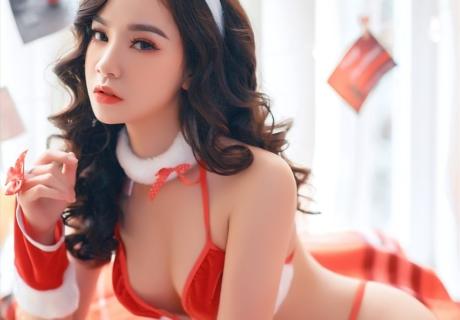 Vietnamese Model Beautiful Christmas Girls