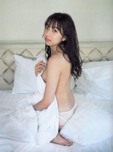Shinuchi Mai 新内眞衣