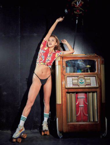Karen CYBER JAPAN DANCERS