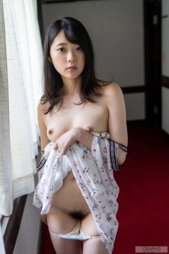 Futaba Ema 二葉エマ