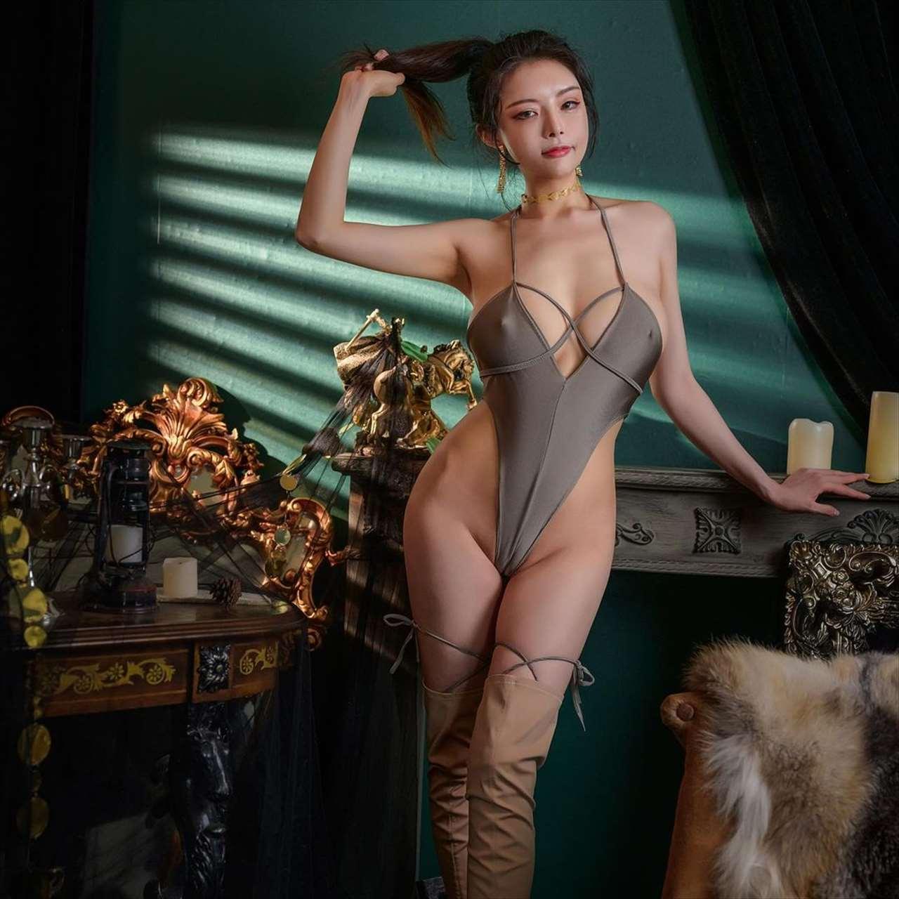 秋和柯基 XiaXiaoqiu
