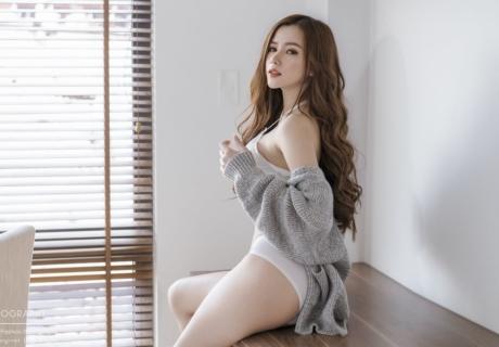 Vietnamese Hot Model