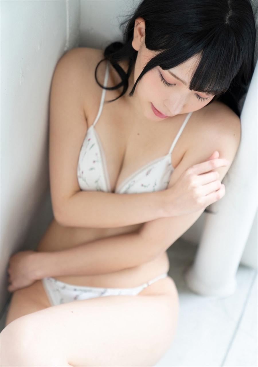 Amatsu Marina あまつまりな