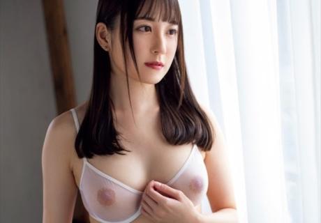 Misaki Aina  岬愛奈