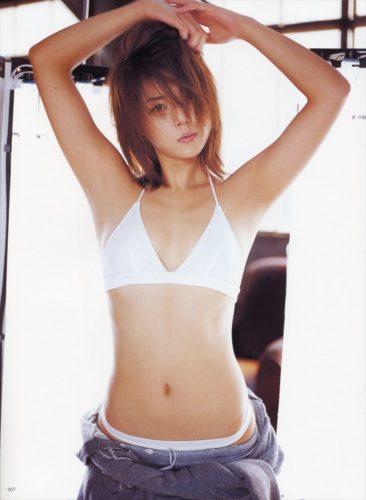 Yoshioka Miho 吉岡美穂