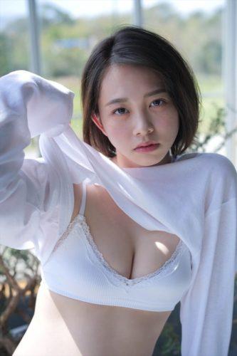 Nitta Ayuna 新田あゆな
