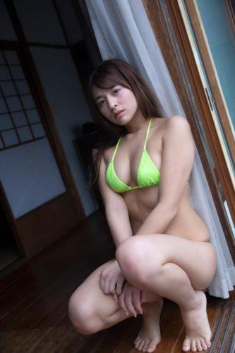 Tokue Kana 徳江かな