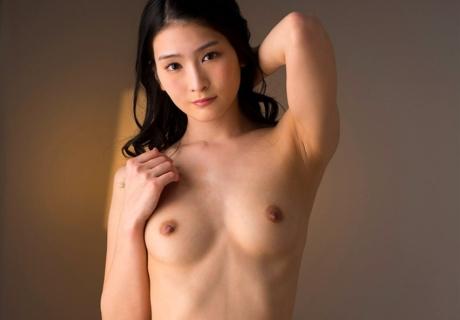 Honjo Suzu 本庄鈴