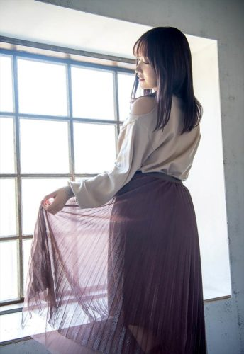Kami Anna 加美杏奈