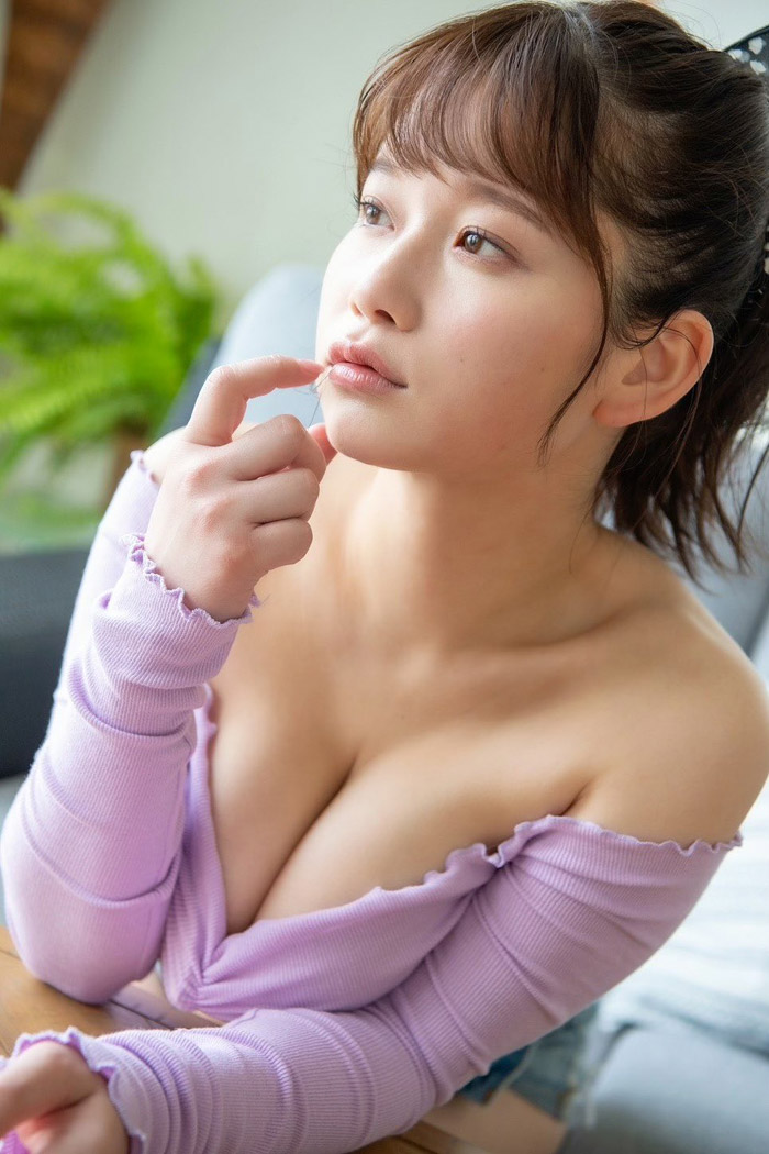 Momozono Rena 桃園怜奈