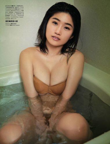 Asami Yuzuki 浅海ゆづき
